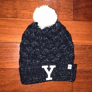 Accessories - Yale Y monogram pom-pom black glittery winter hat